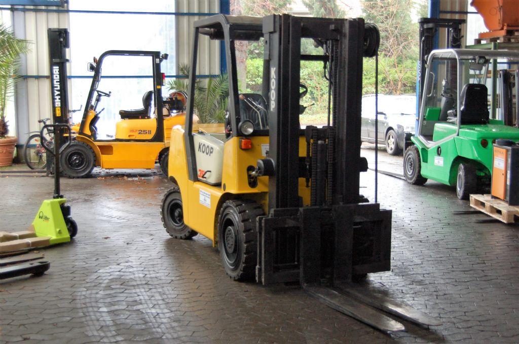 Balkancar-DFG 3533 C19-Dieselstapler-http://www.koop-gabelstapler.de