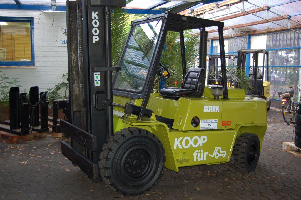 Clark-C500 Y 100 0 // 12 Monate UVV & ASU abgenommen-Dieselstapler-http://www.koop-gabelstapler.de