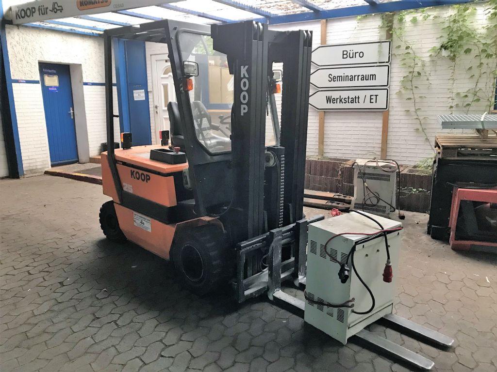 Steinbock-PE25-Elektro 4 Rad-Stapler-www.koop-gabelstapler.de
