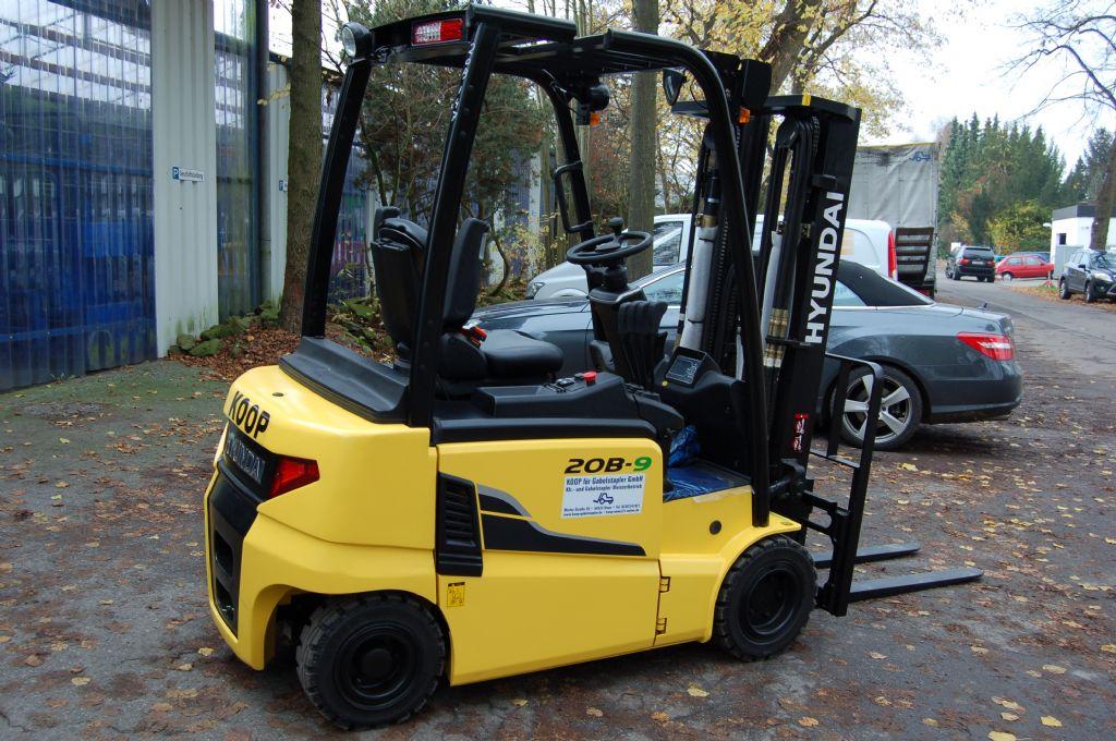 Hyundai-20B-9-Elektro 4 Rad-Stapler-http://www.koop-gabelstapler.de