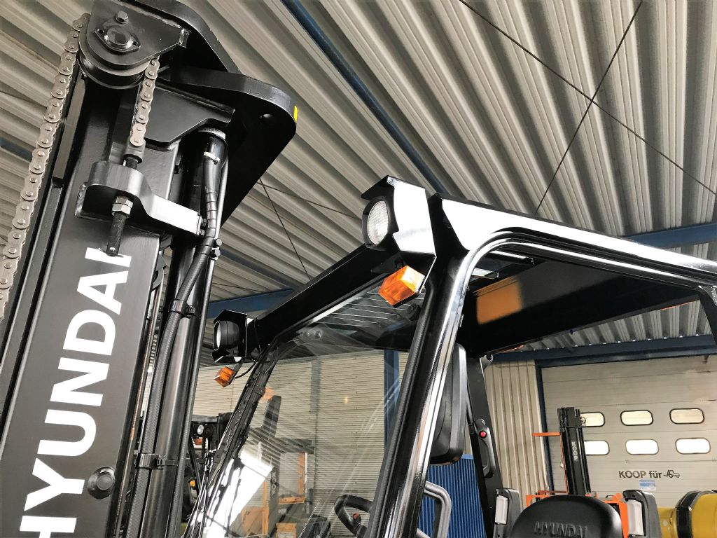 Hyundai-45L-7A-Treibgasstapler-www.koop-gabelstapler.de