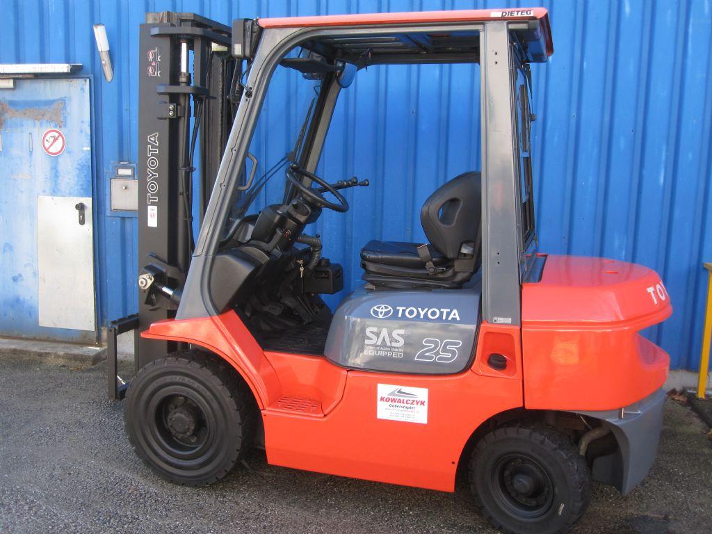 Toyota-62-7FDF25-Dieselstapler www.service-gabelstapler.de
