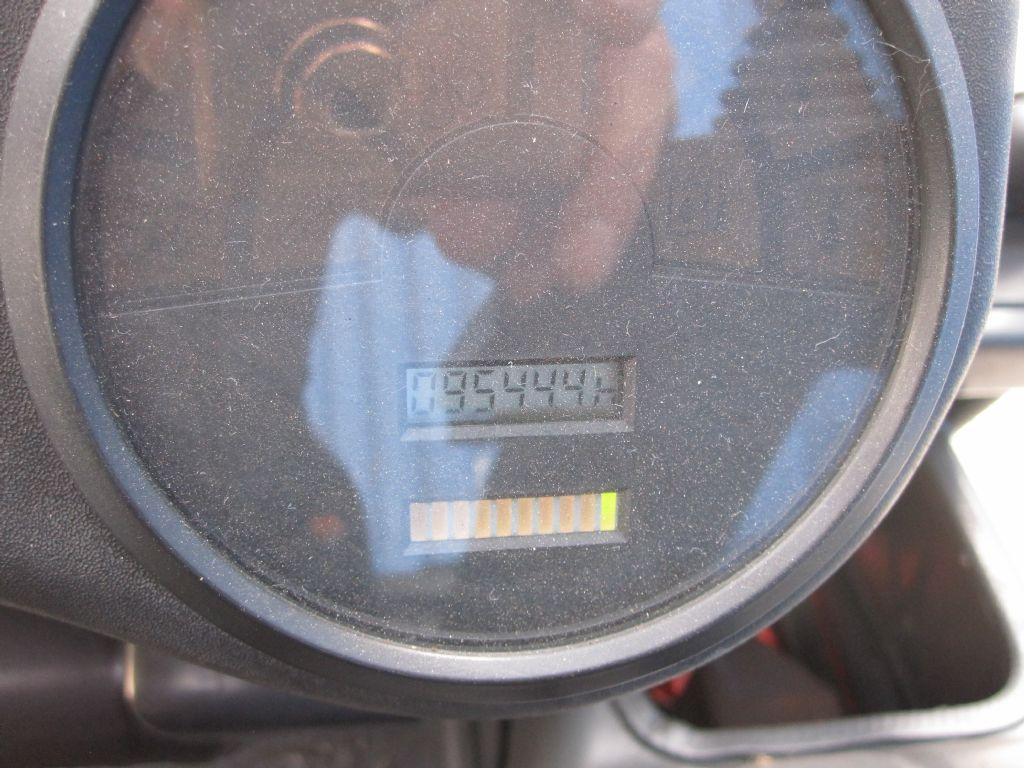 Linde-E16C-02-Elektro 3 Rad-Stapler-www.service-gabelstapler.de