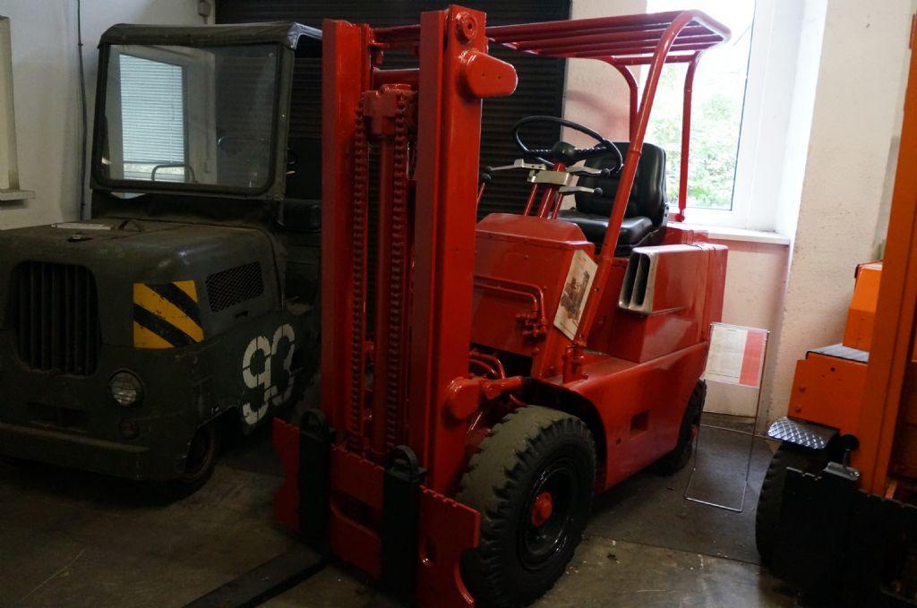Clark-RCFY30-Dieselstapler-http://www.kriegel-gmbh.de