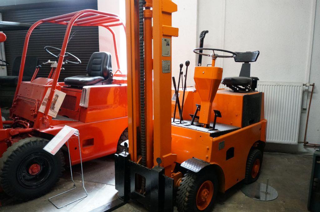 Takraf-DFG1002/NA-Dieselstapler-http://www.kriegel-gmbh.de