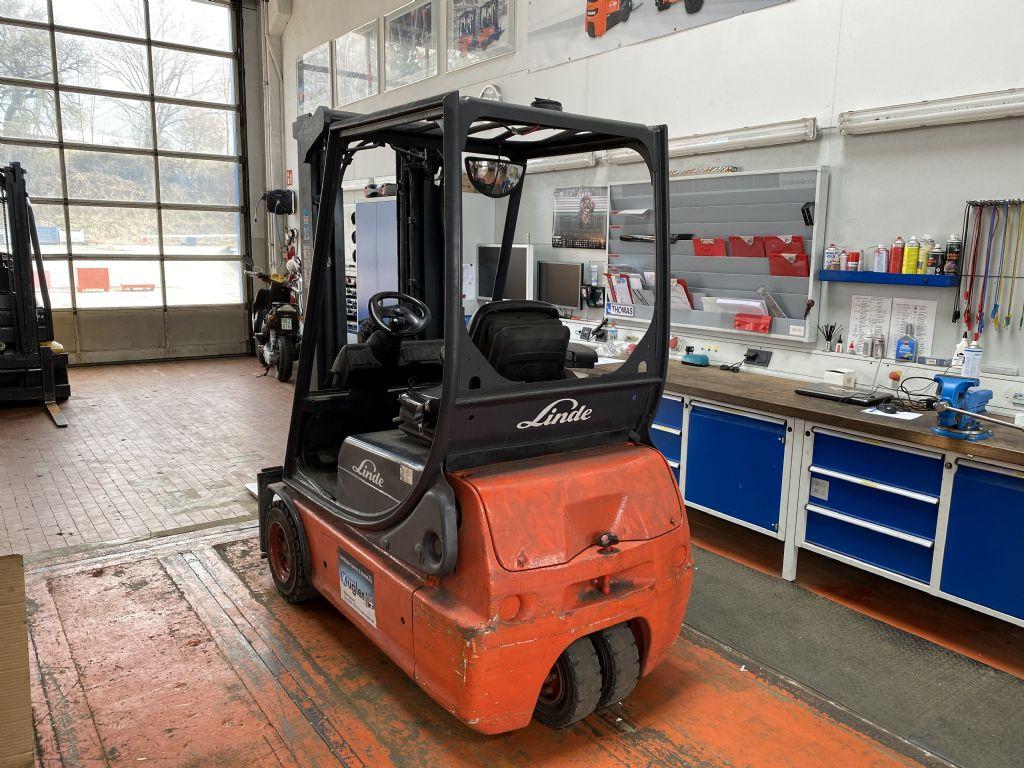 Linde-E16C-02-Elektro 3 Rad-Stapler-http://www.kugler.net