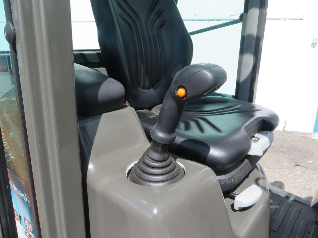Ausa-C250H-Geländestapler-http://www.kugler.net
