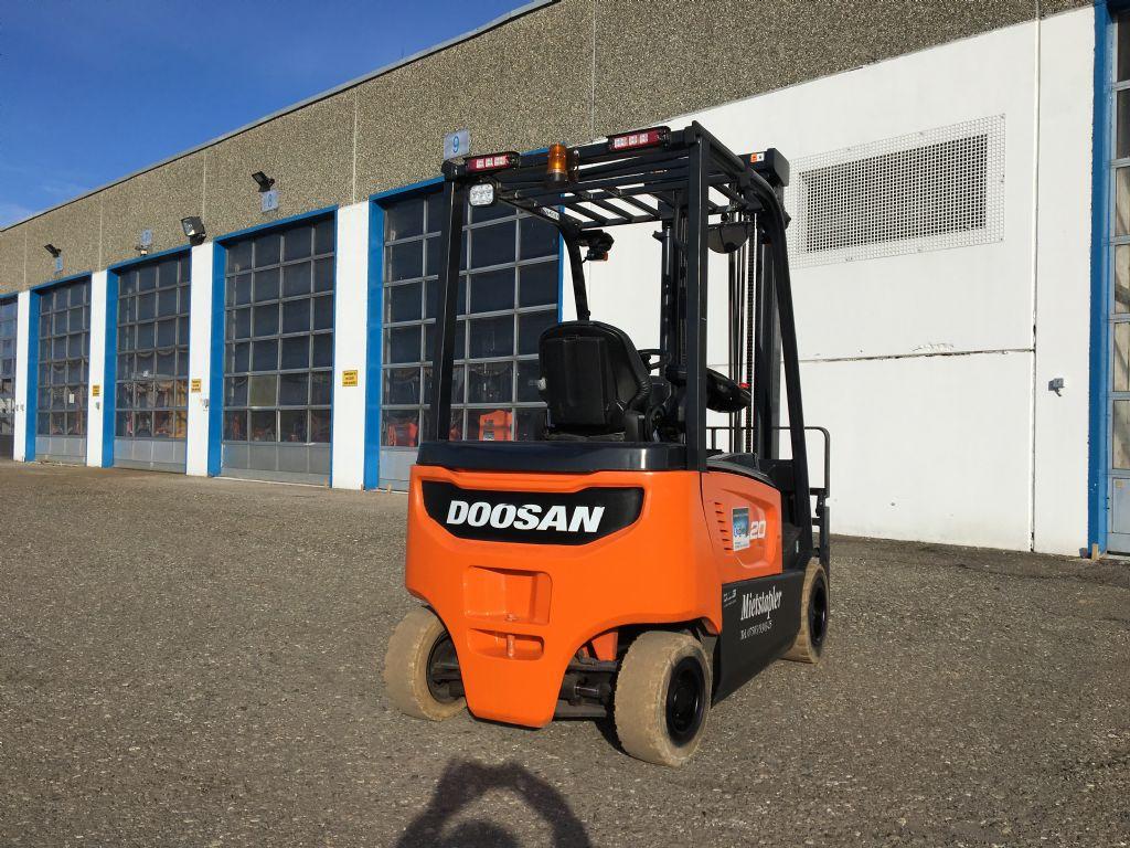 Doosan-B20X-7-Elektro 4 Rad-Stapler-http://www.kugler.net