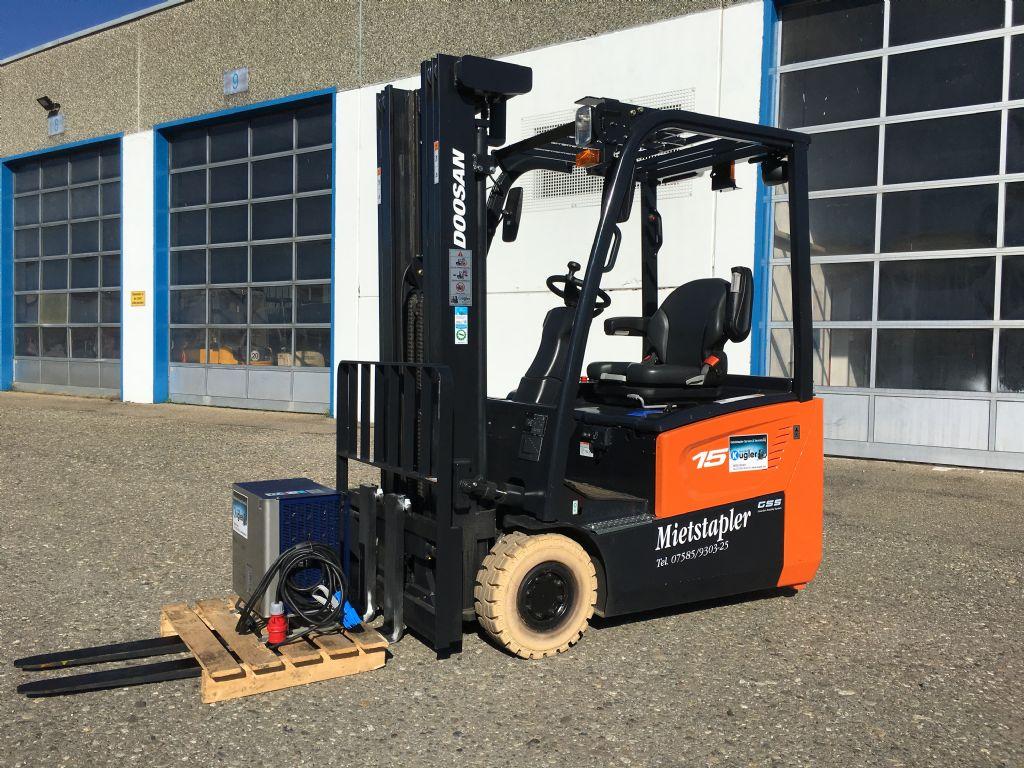 Doosan-B15T-7-Elektro 3 Rad-Stapler-http://www.kugler.net