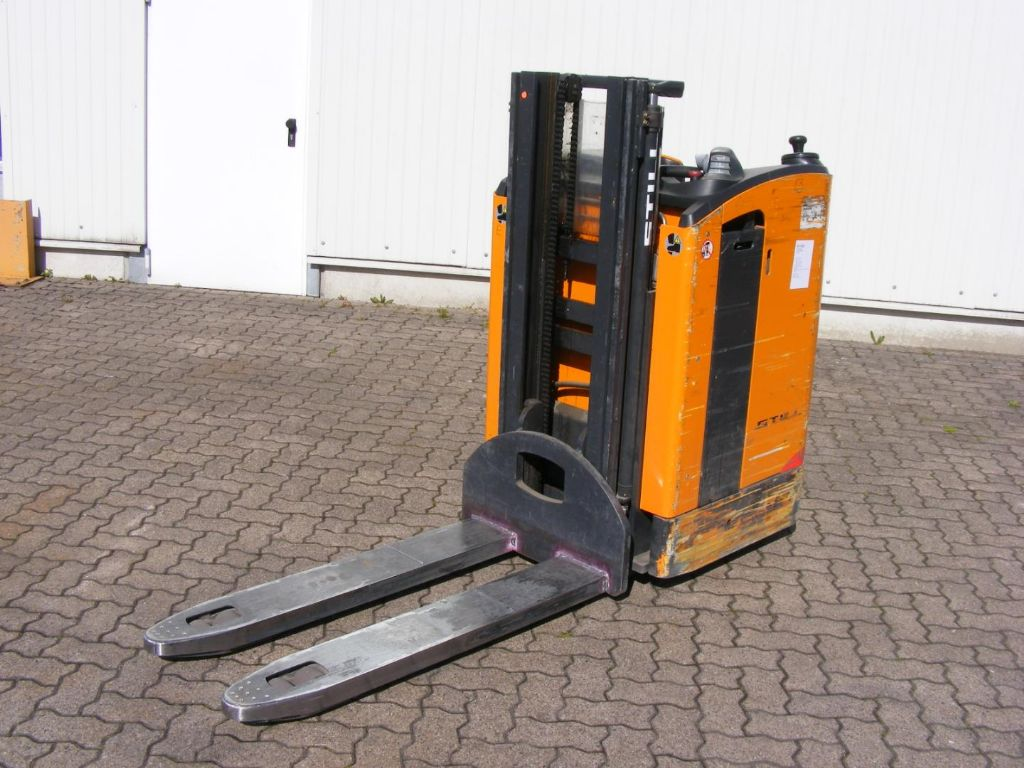 Still-SD 20-Stacker sit on-www.mengel-gabelstapler.com