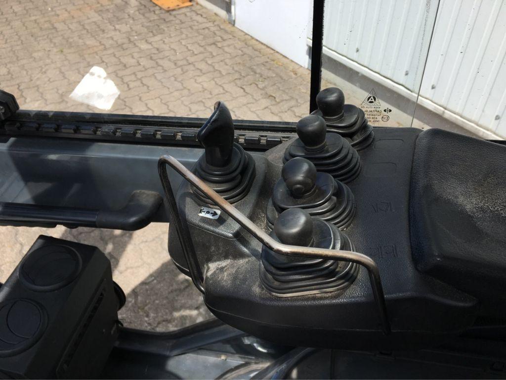 Toyota-02-8 FGF 25-Treibgasstapler-http://www.mengel-gabelstapler.com