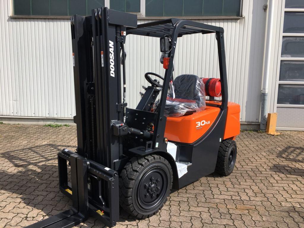Doosan-G 30 GX Plus Neugerät-LPG Forklifts-www.mengel-gabelstapler.com