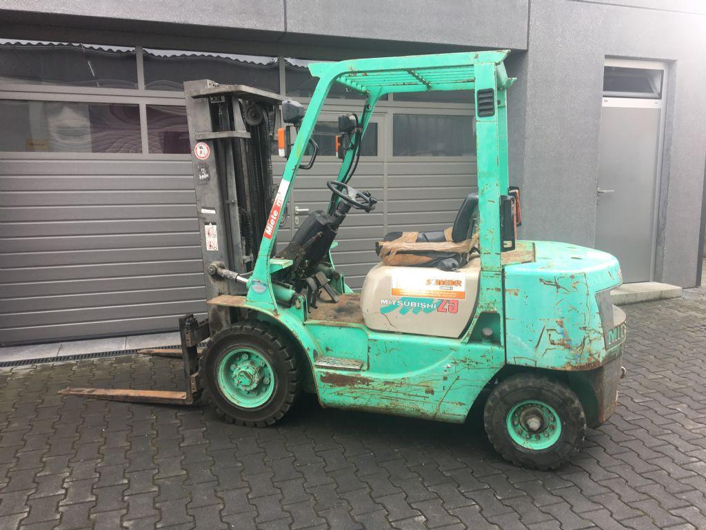 Mitsubishi-FD 25-Diesel Forklift-www.mengel-gabelstapler.com