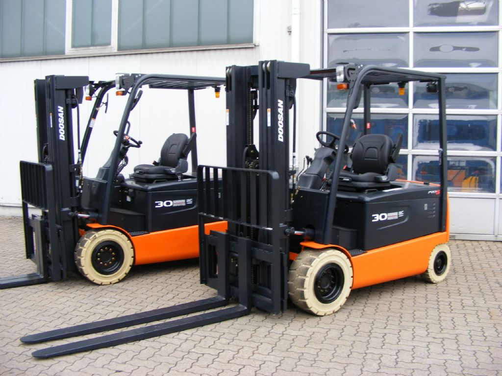 Doosan-B 30X-5 ac-Elektro 4 Rad-Stapler-http://www.mengel-gabelstapler.com