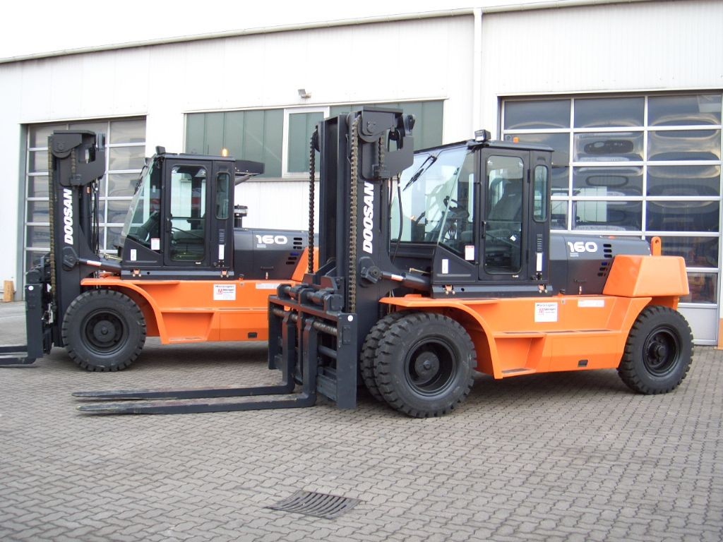 Doosan-D 160 S-5-Diesel Forklift-www.mengel-gabelstapler.com