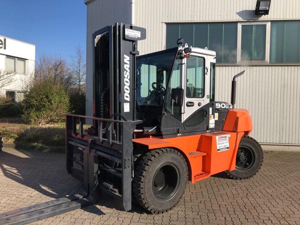 Doosan-D90 S-7-Diesel Forklift-www.mengel-gabelstapler.com