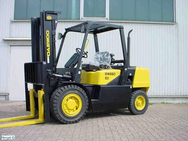 Daewoo-D 45 S-2-Diesel Forklift-www.mengel-gabelstapler.com