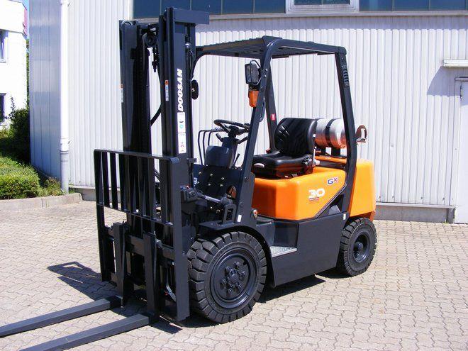 Doosan-G 30 G-LPG Forklifts-www.mengel-gabelstapler.com