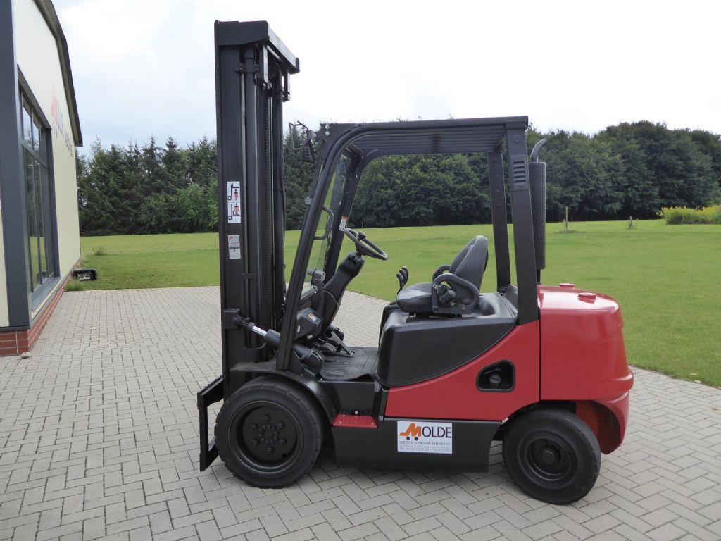Doosan-D30S-5-Dieselstapler-http://www.gabelstapler-molde.de