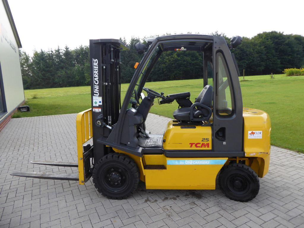 TCM-FD25-E1-Dieselstapler-http://www.gabelstapler-molde.de