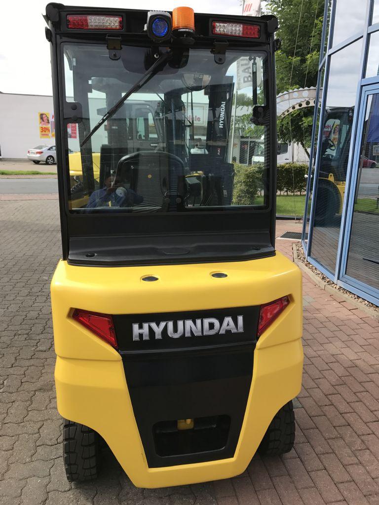 Hyundai-35BH-9-Elektro 4 Rad-Stapler-www.nikolic-gabelstapler.de
