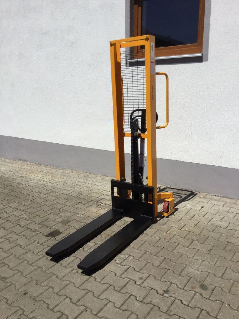 BT-SWE 120-Deichselstapler-http://www.florian-oberpriller.de