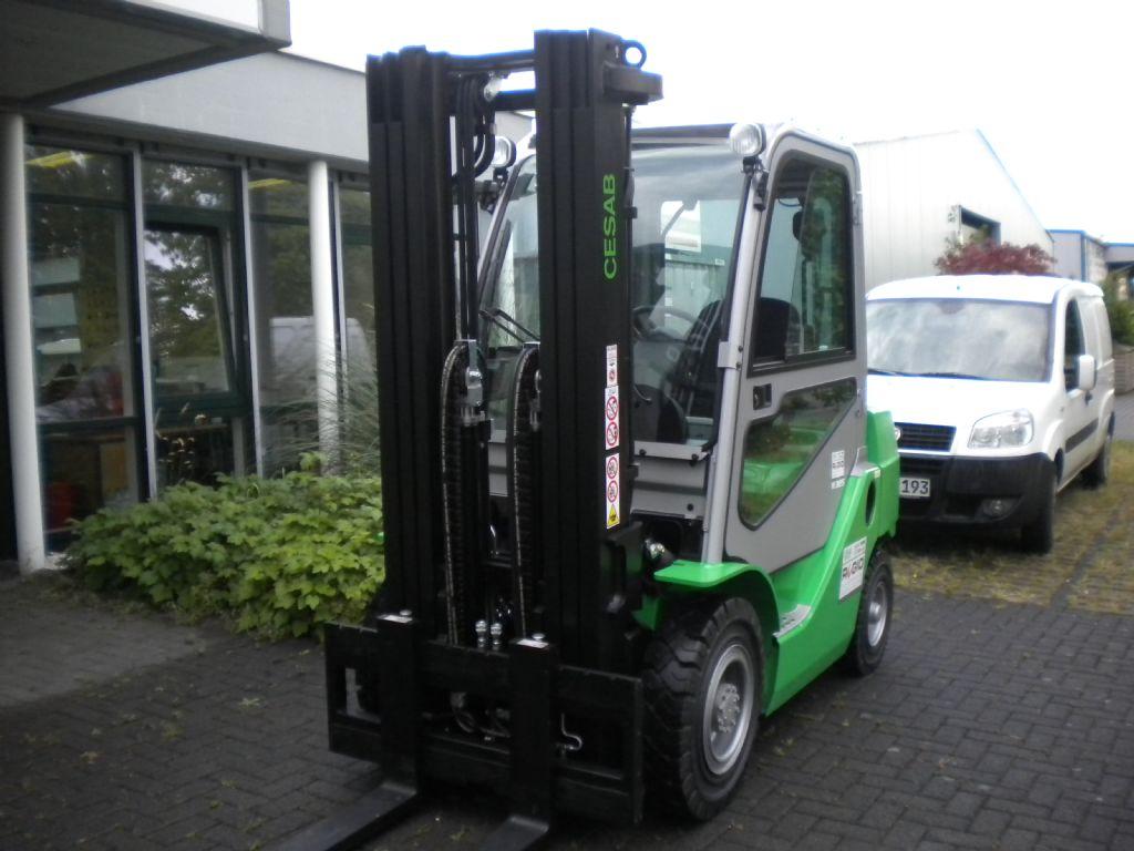 Cesab-M325D-Dieselstapler-http://www.regio-stapler.de