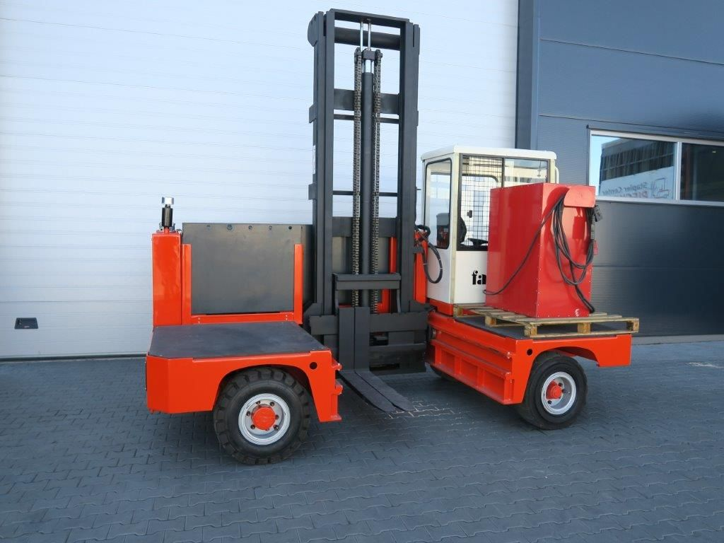 Rental & Hire Seitenstapler >> SAGO Forklift of ✓Hamburg | rent