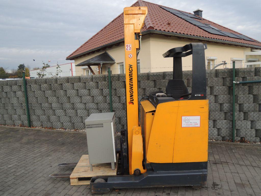 Jungheinrich-ETV12G-Schubmaststapler-http://www.schuetze-gabelstapler.de