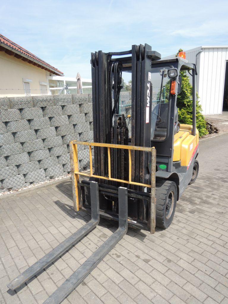 TCM-FD25T-3-Dieselstapler-http://www.schuetze-gabelstapler.de