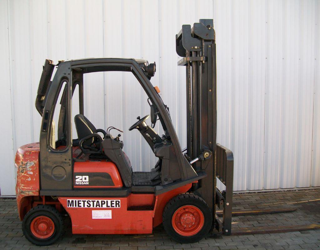 Nissan-FD02A20Q-Dieselstapler-http://www.schuetze-gabelstapler.de
