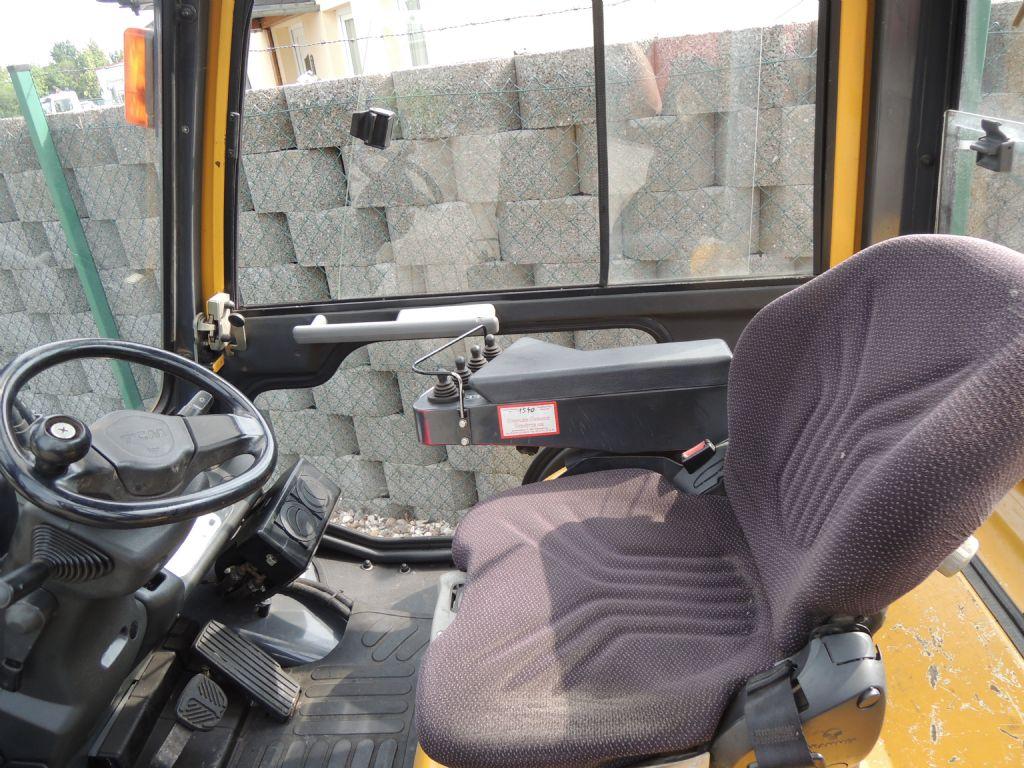 TCM-FD30T3-Dieselstapler-http://www.schuetze-gabelstapler.de