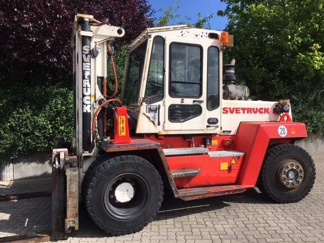 Svetruck-1260-Schwerlaststapler-www.unruh-gabelstapler.de
