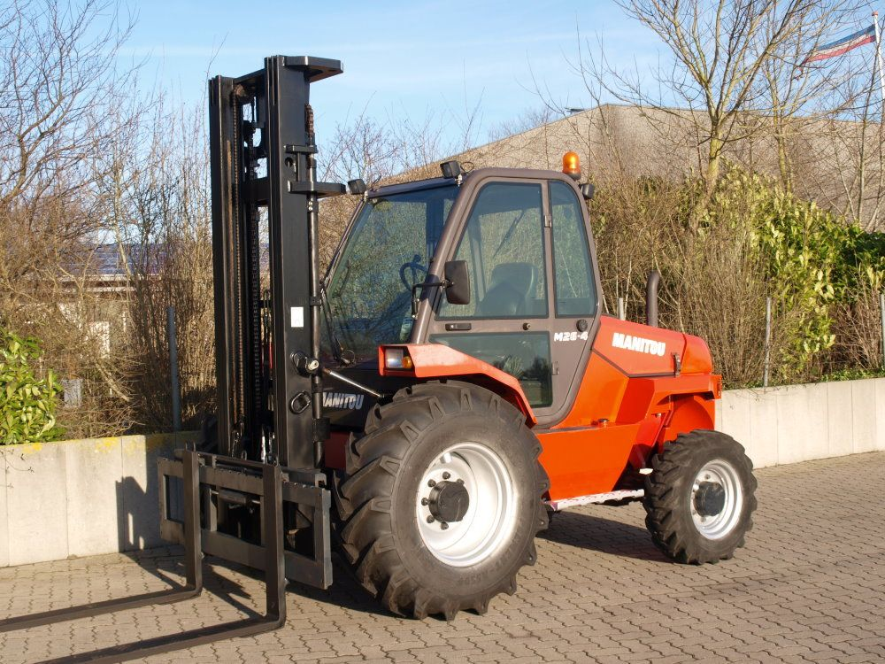 Manitou-GS26.4-Geländestapler-www.unruh-gabelstapler.de