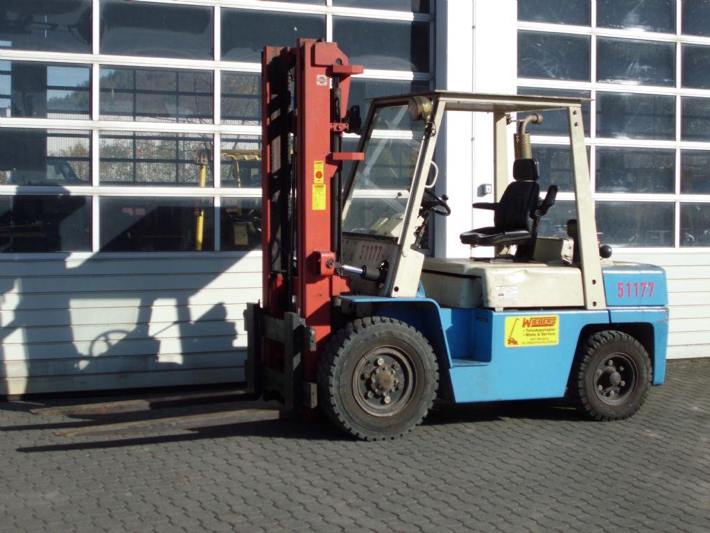Nissan-WF03A35U-Dieselstapler-http://www.wiegers-gabelstapler.de