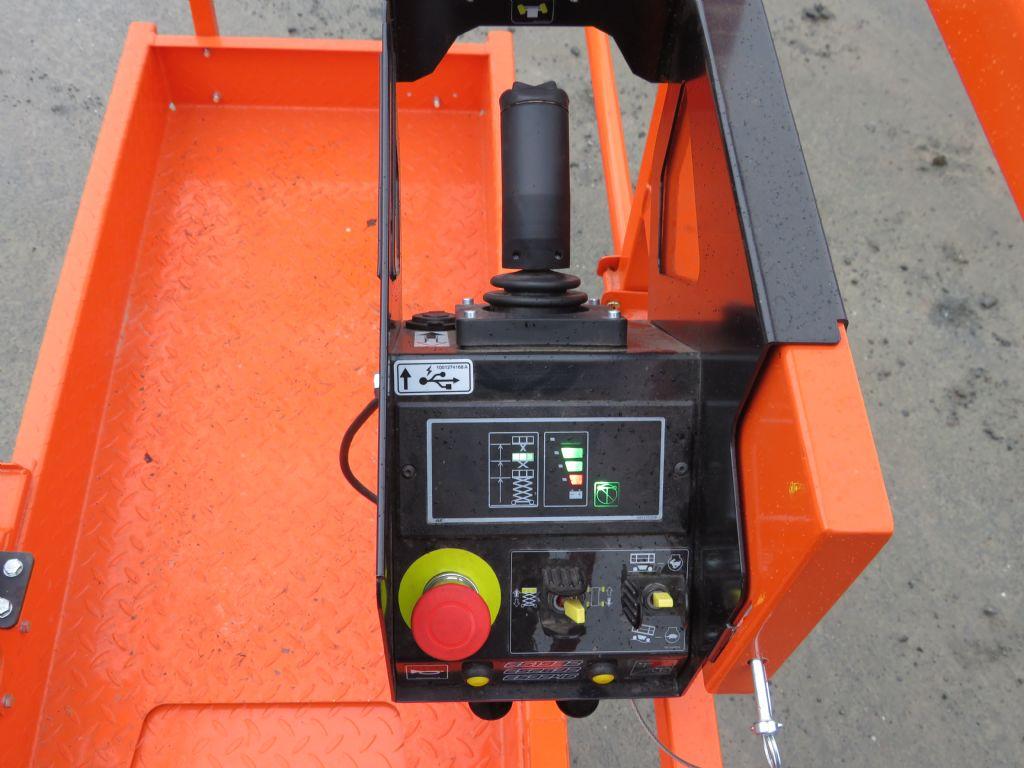 TKD-M101-15EB-Scherenarbeitsbühne-http://www.wilmes-mietservice.de