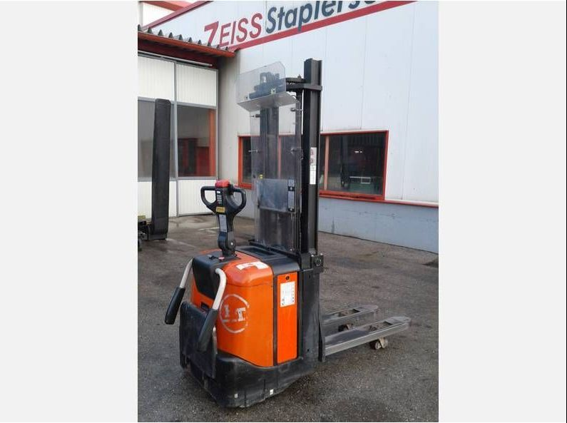Toyota-SPE125L-Hochhubwagen http://www.zeiss-forkliftcenter.at