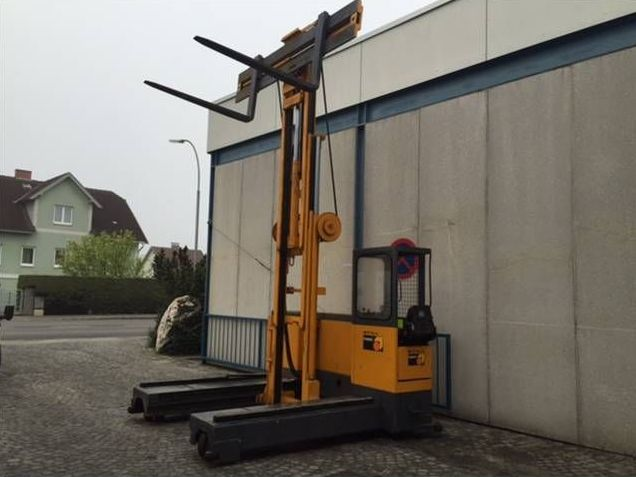 Hubtex-VL30-Vierwege Seitenstapler http://www.zeiss-forkliftcenter.at