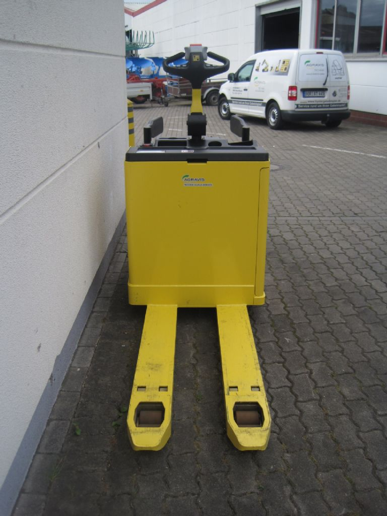 Hyster P 2.0 S Niederhubwagen agravis-stapler.de