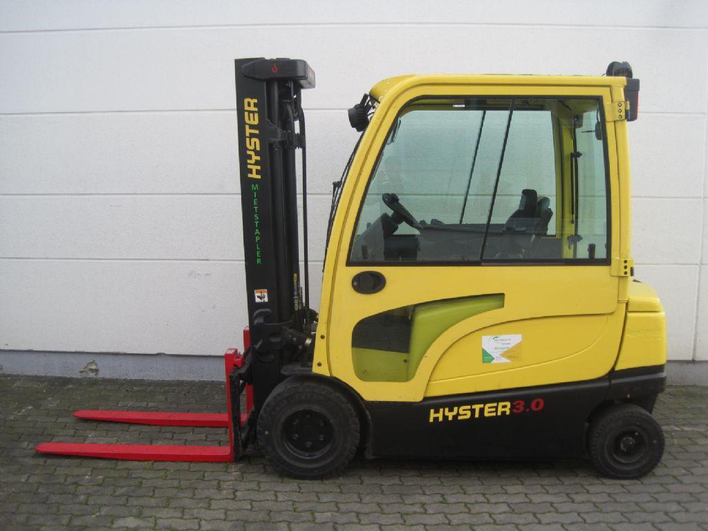 Hyster J 3.0 XN Elektro 4 Rad-Stapler agravis-stapler.de