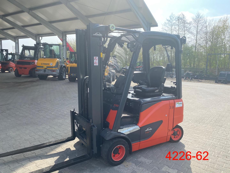 Linde-E 20 PH 02 EVO-Elektro 4 Rad-Stapler-http://www.heftruckcentrumemmen.nl