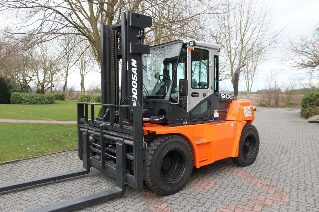Doosan-D 90 S 7-Dieselstapler-http://www.albers-gabelstapler.de
