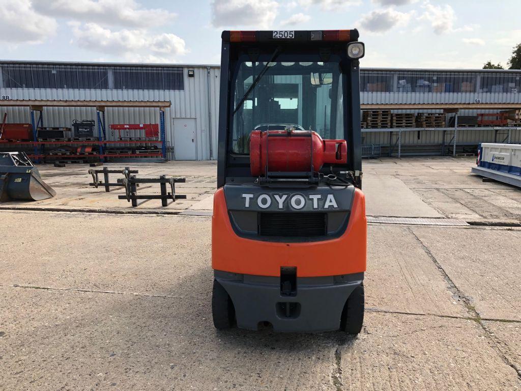 Toyota-02-8FGF15-Treibgasstapler-http://www.anders-gabelstapler.de