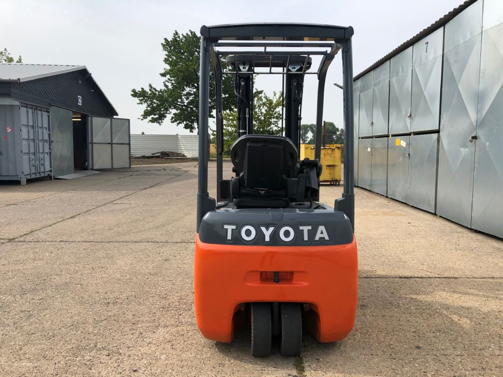 Toyota-8FBET16-Elektro 3 Rad-Stapler-http://www.anders-gabelstapler.de