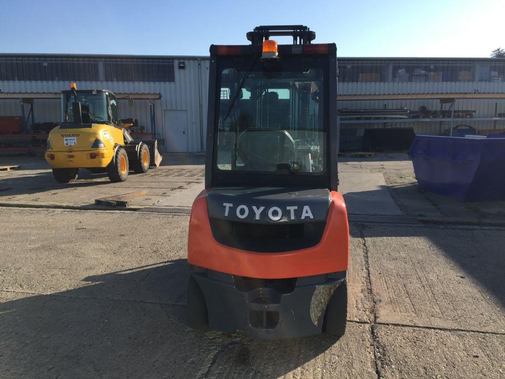 Toyota-Tonero 02-8FDF25-Dieselstapler-http://www.anders-gabelstapler.de