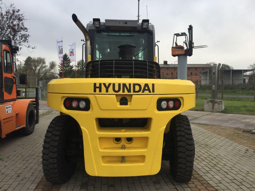 Hyundai-110D-9-Schwerlaststapler-http://www.anders-gabelstapler.de
