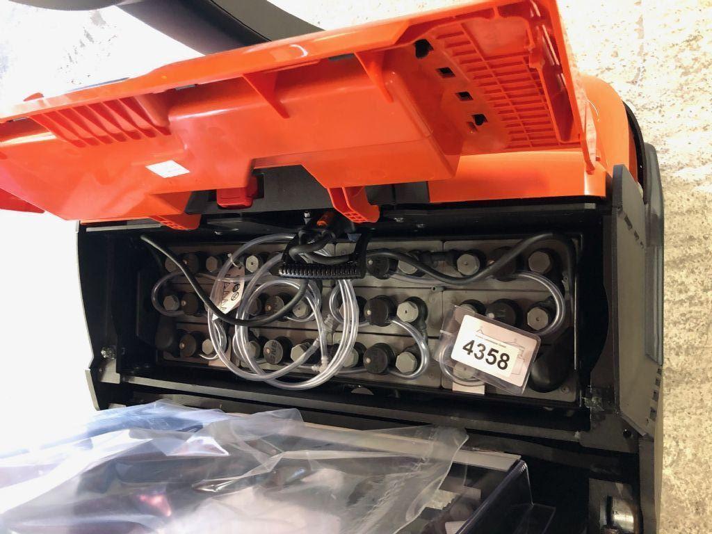 Toyota-SWE120L-Deichselstapler-http://www.anders-gabelstapler.de