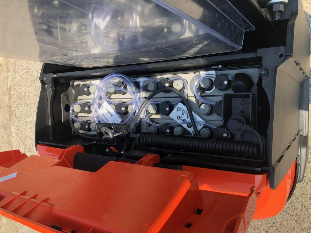 Toyota-SWE140-Deichselstapler-http://www.anders-gabelstapler.de
