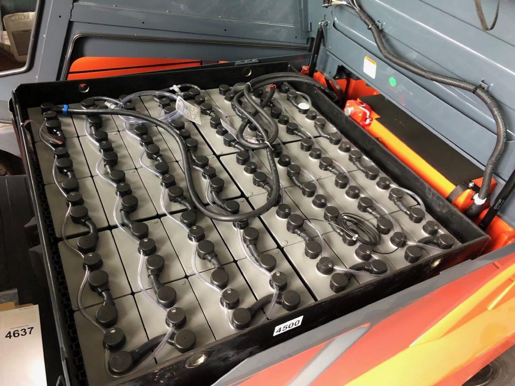 Toyota-8FBMT50-Elektro 4 Rad-Stapler-http://www.anders-gabelstapler.de