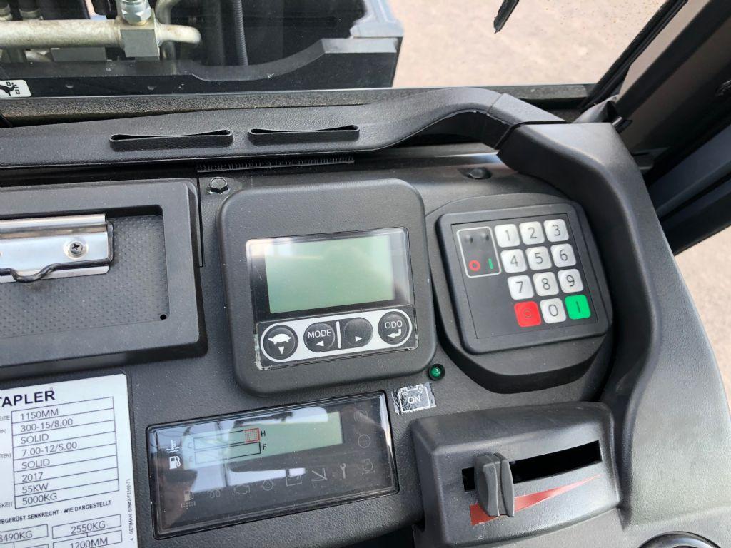 Toyota-40-8FD50N-Dieselstapler-http://www.anders-gabelstapler.de